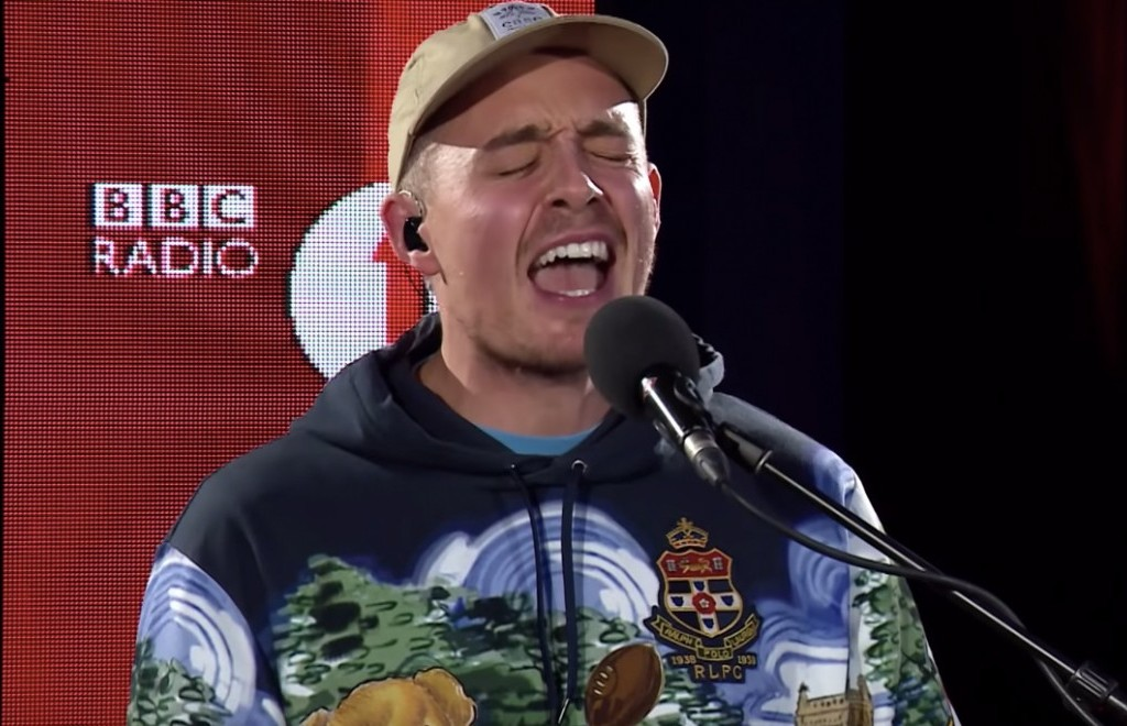Dermot Kennedy - Outnumbered (Live Lounge)