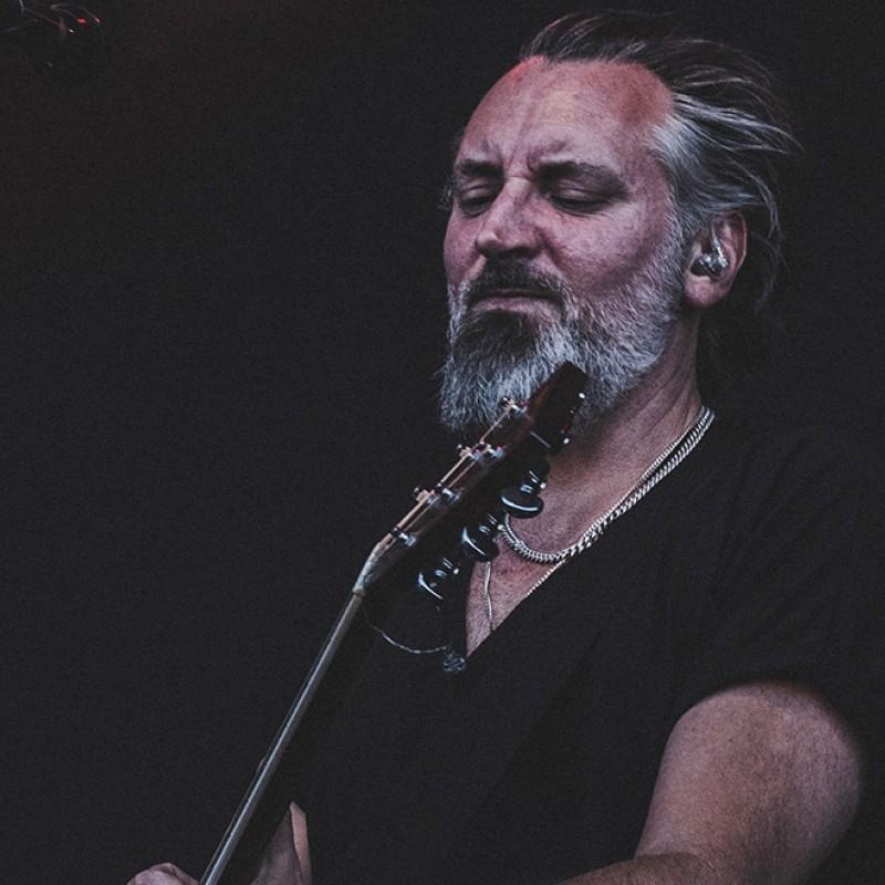 Photo: Fink (solo acoustic)
